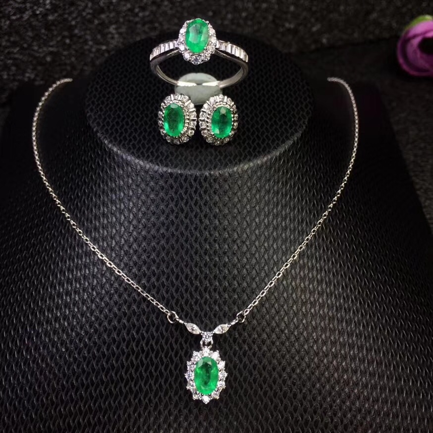 Columbia natural emerald set ring earrings necklace fashionable with new design quality 925 Silver