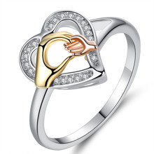 Fashion Crystal Big Hand Holding Small Rings for Mom High quality Rose Gold Color CZ Party Jewelry Mothers Day Gifts