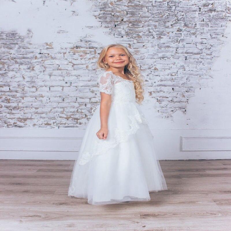 Здесь можно купить   A-Line Lace Arabic Flower Girl Dresses for Wedding White Tulle Baby Girl Communion Dresses Short Sleeve  Mother Daughter Dresses Детские товары