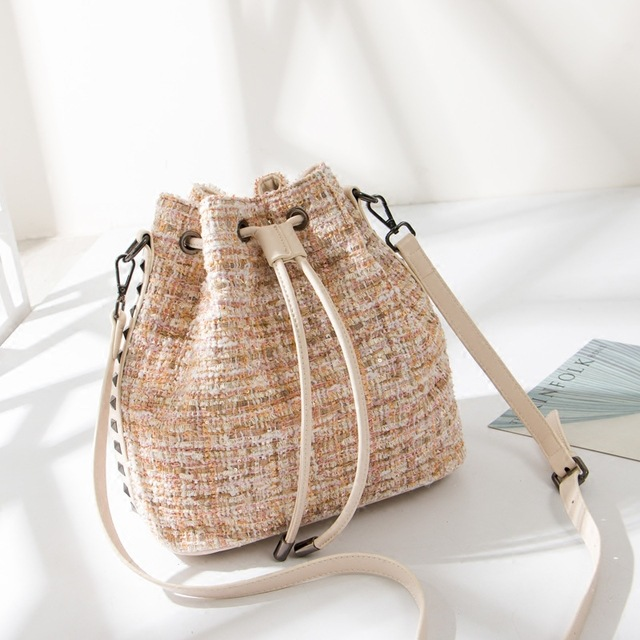 One-shoulder Sloping Tweed Riveted Woolen Bucket Bag for Women Purses and Handbags crossbody bags for women цена 2017