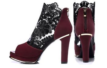 Black lace heel 1