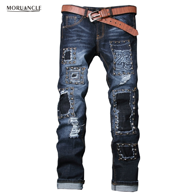 Fashion Designer Ripped Denim Joggers For Man Distressed Hip Hop Jeans Pants With Rivet Slim Fit Straight Trousers With Holes
