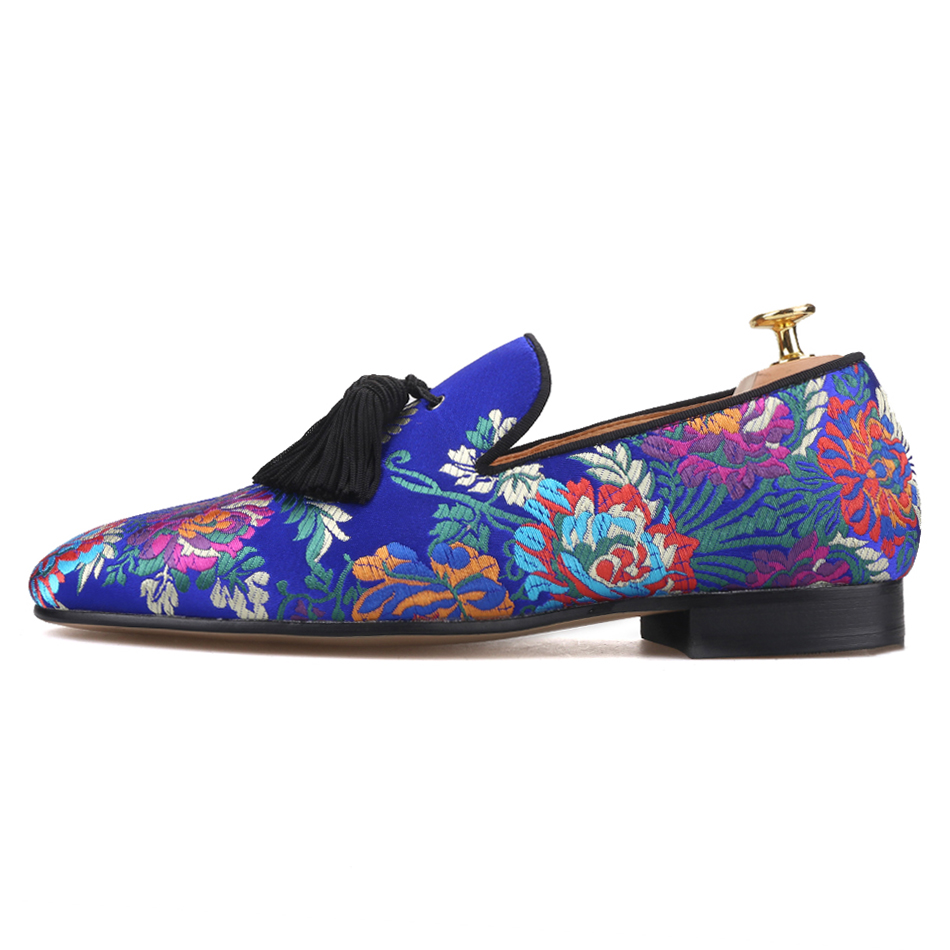 Piergitar brand 2019 new arrival Floral printing men loafers with big tassel wedding and prom men's silk shoes smoking slippers