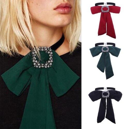 Energisch Mode Charme Frauen Fliege Kette Klobige Halsband Frauen Europäischen Und Amerikanischen Stil Gute WäRmeerhaltung