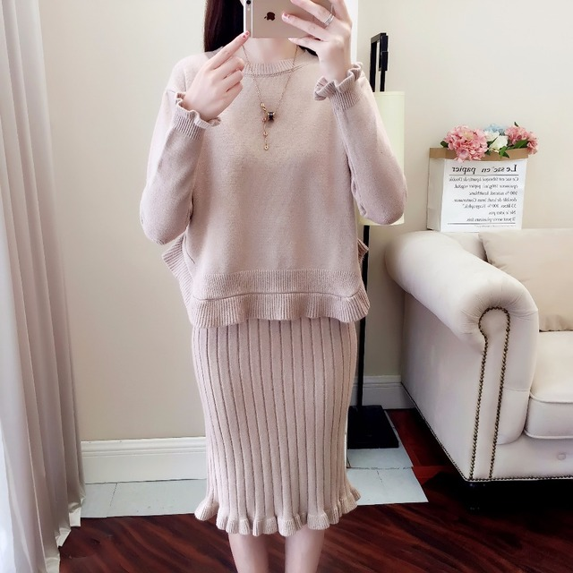 Women Kintting Tops+Dress Suits Two Pieces Set 2018 New Slim Solid Knitted Sweater Set Women Clothing Autumn Winter Ruffles