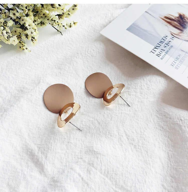 2019 Japão Do Vintage Brincos Do Parafuso Prisioneiro de Ouro para As Mulheres de Moda de Nova Brincos Declaração Irregular Geométrica Pingente de Metal Redondo Jóias