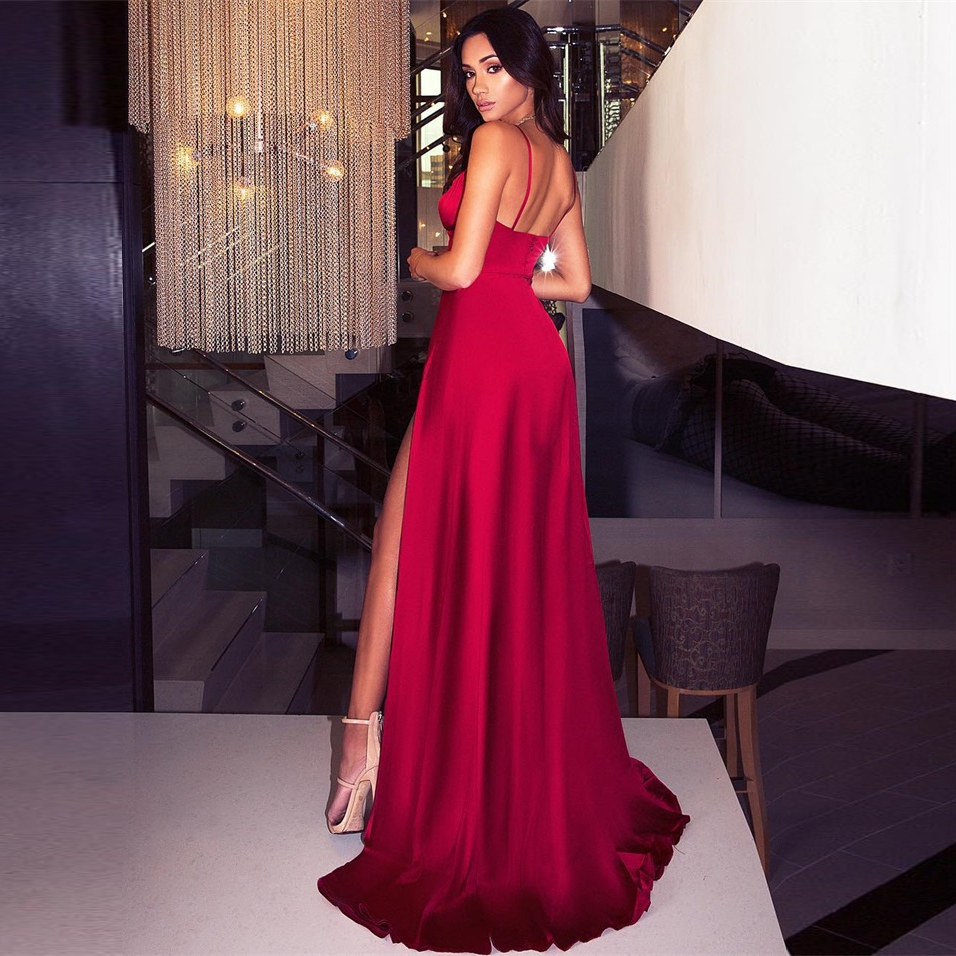 Sexy Backless Split Front Summer Piano Lunghezza Dress Deep V Neck Party Dress Red Satin Sleeveless Abito imbottito