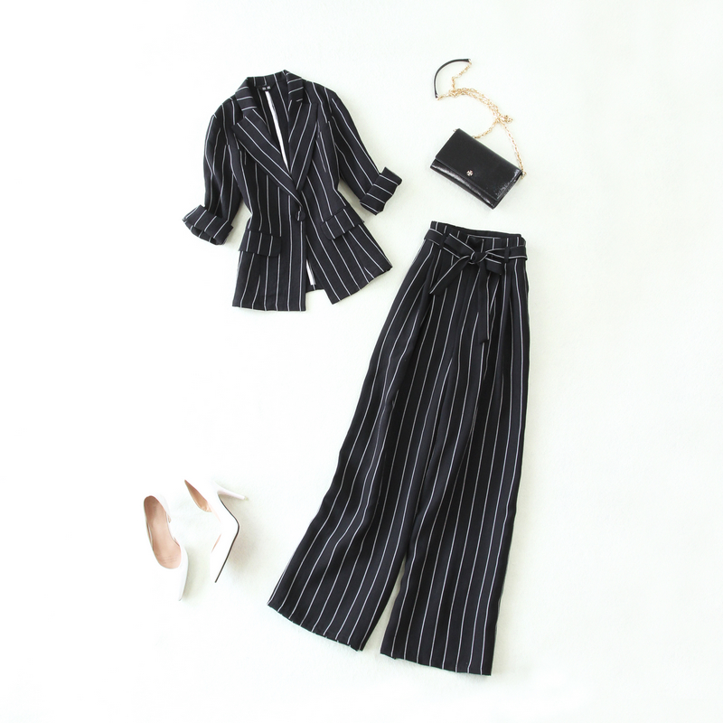 Set female 2019 spring and summer new large size black and white striped suit wide leg pants two sets of thin women's clothing