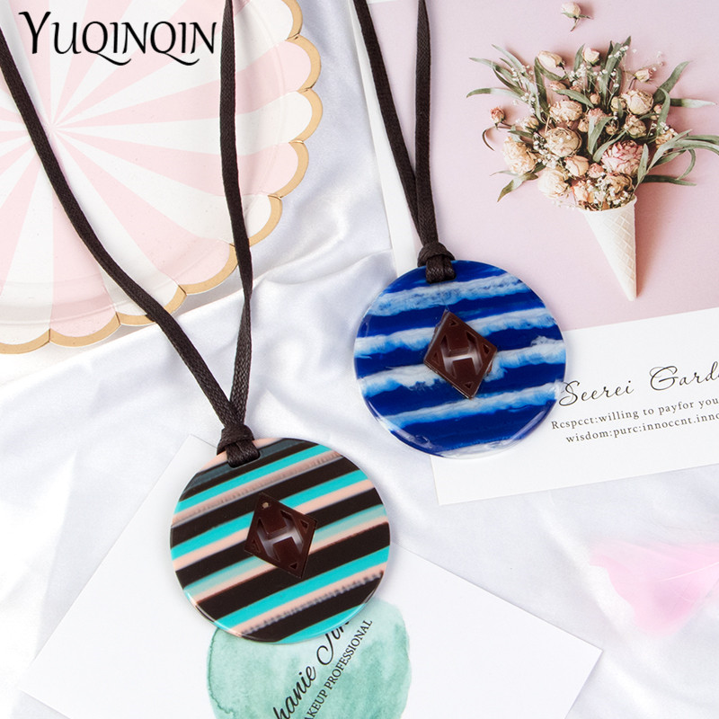 Long Rope Chains Fashion Necklace for Women Geometric Acrylic Resin Big Round Stripe Pendant Classic Designer Necklaces Jewelry in Pendant Necklaces from Jewelry Accessories
