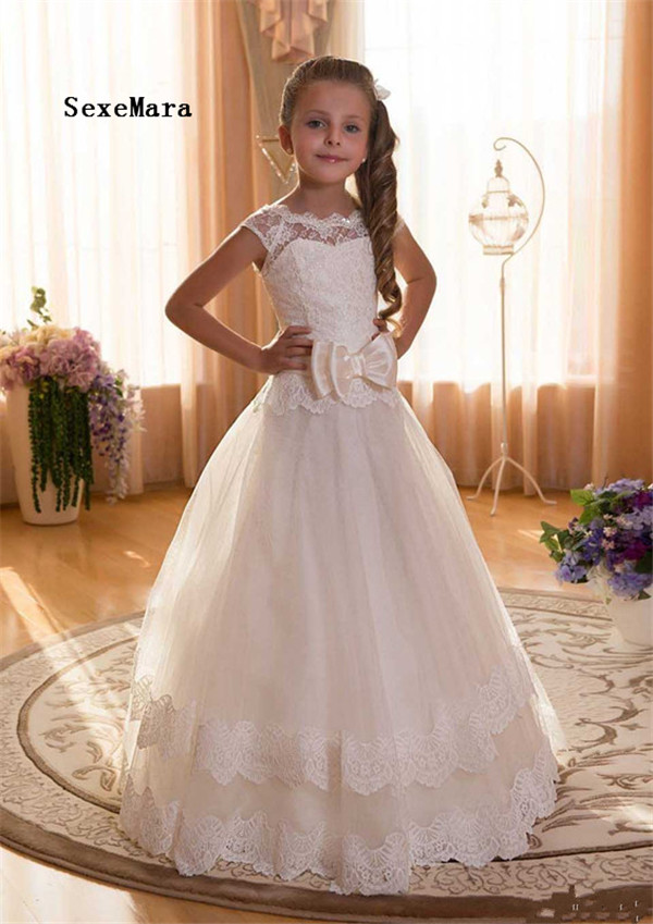 White Ivory Lace Flower Girl Dresses 2018 for Weddings First Communion Dresses for Girls Lace up Back with Bow