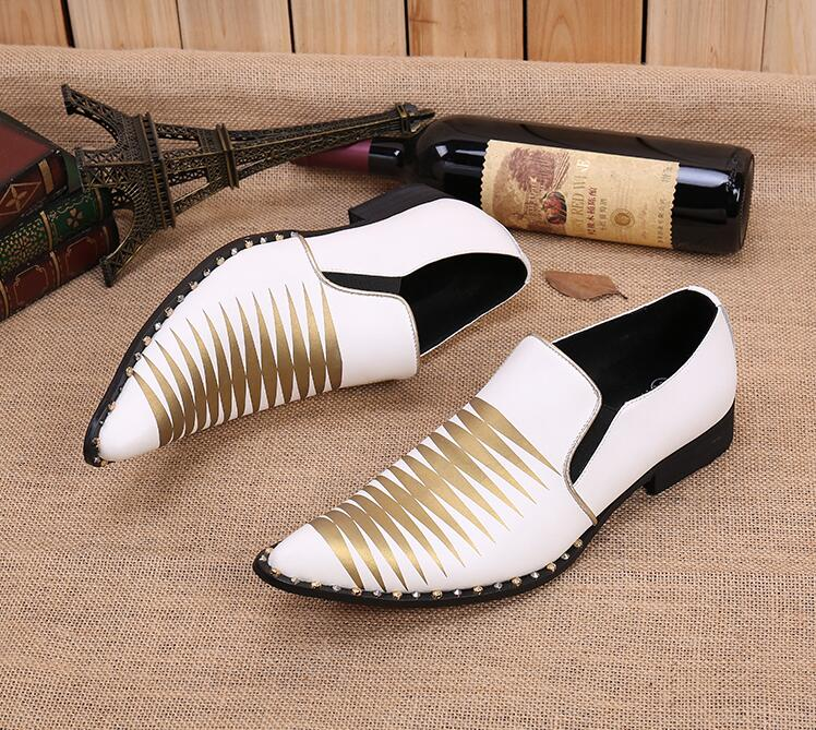 New Imitate Snake Leather Men Oxford Shoes Pointed Toes Printed Mix Colour Slip on Rhinestone Male Dress Shoes White Striped цена