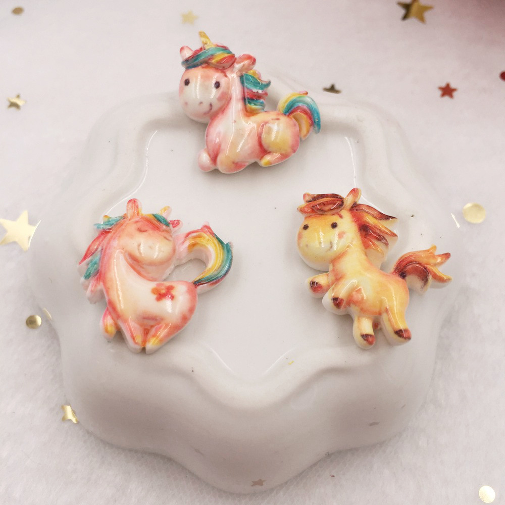 10pcs Lovely Resin Cabochon Colorful Unicorn Flat Back Figurine Stone Appliques DIY Wedding Scrapbook Decor Home Craft W70