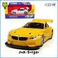Mr. Froger 1:32 BM Z4GT3 Modelo aleación modelos de coches Decoración del coche motor Deportes Clásicos Juguetes Tire Hacia Atrás de metal Refinado DIY Intermitente