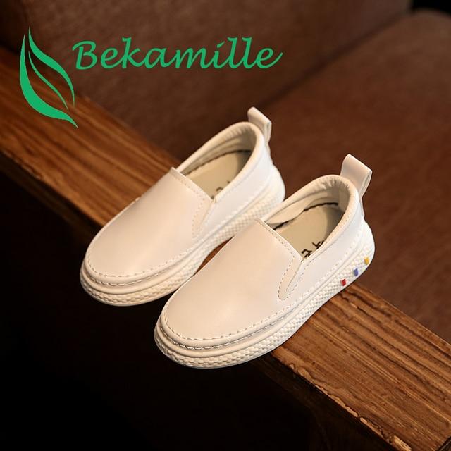Moda niños y niñas casual zapatos mocasines blanco.