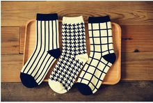 Free Shipping European and American female British style black and white style sock one thousand birds grid squares socks(China)