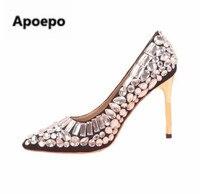 Apopeo marca venda Quente mulheres rhinestone bombas slip-on sapatos de saltos de ouro do dedo do pé apontado sapatos de salto alto sapatos de casamento com cristal