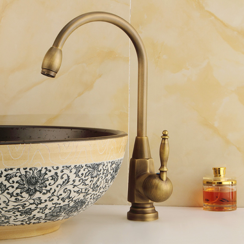 цена European Retro Faucet Copper Hot and Cold Water Mixer Faucet Antique Single Hole Single Bathroom Vanity Kitchen Sink Faucet