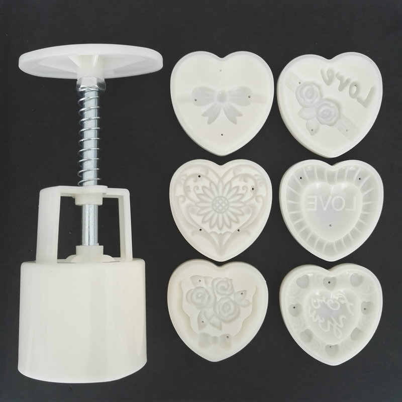 12073145e AMW 50g Heart Shaped LOVE Flowers Moon Cake Mold Hand Press Plastic Plunger  Cutter Baking Tools
