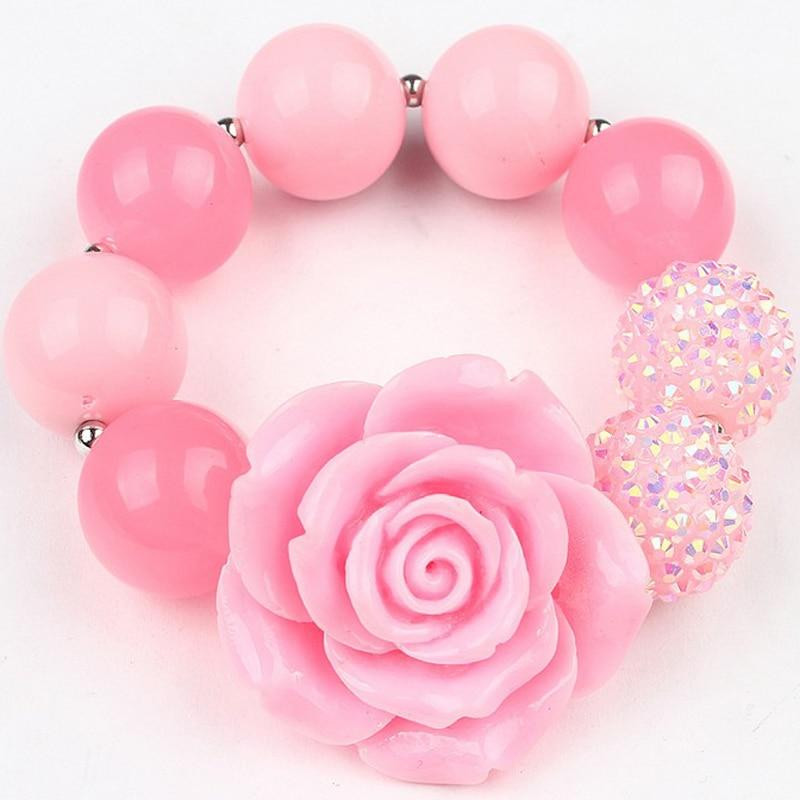 Nieuwe aankomst meisjes mooie roze hars bloem dikke kralen streng stretch armbanden armband kinderen bubblegum armband aankleden sieraden