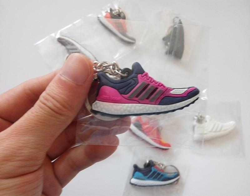 10Pcs/Lots Fashion Ultra Boost Pendat Key Chain Sneaker Keychain Mini Kids Pendant Anime Figute Toys For Man Woman