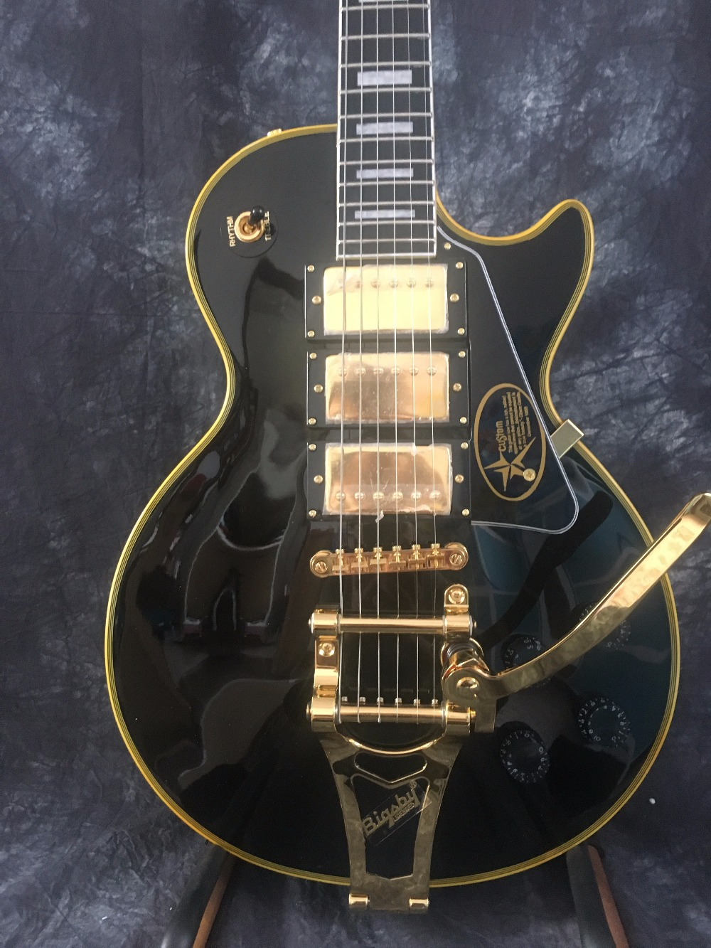 Free Shipping Custom Paul Black 3 Pickups Golden Hardware Electric Guitar with Bigsby new style custom sg electric guitar 3 pickups gold hardware sg electric guitar with gold tremolo system free shipping