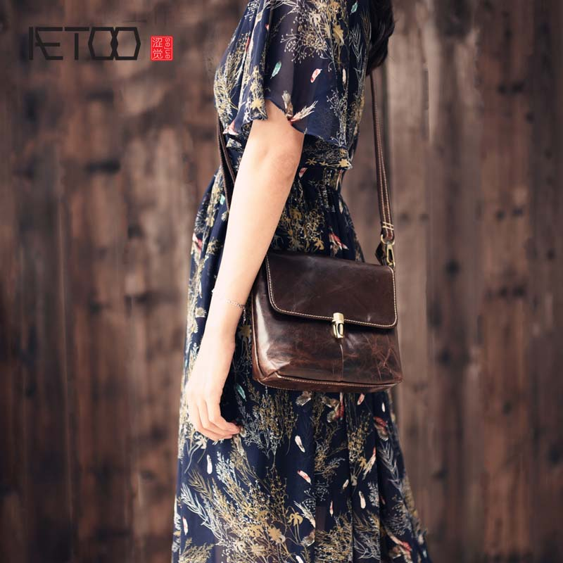 AETOO 2017 new 100% cow leather shoulder bag retro vertical paragraph square bag new leather leisure travel messenger bag women