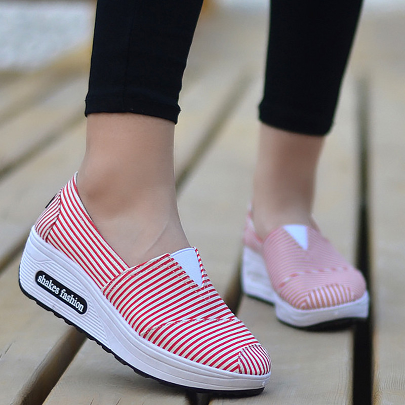 Wedges Shaking Sneakers For Girls Swing Shoes Slip-On Women Canvas Shoes Gingham Shallow Alpargatas 2019 Summer