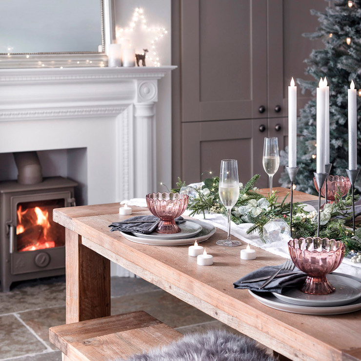 C50-YWG_Micro-Lights-Green-Wire-Dining-Table-Fireplace_P5