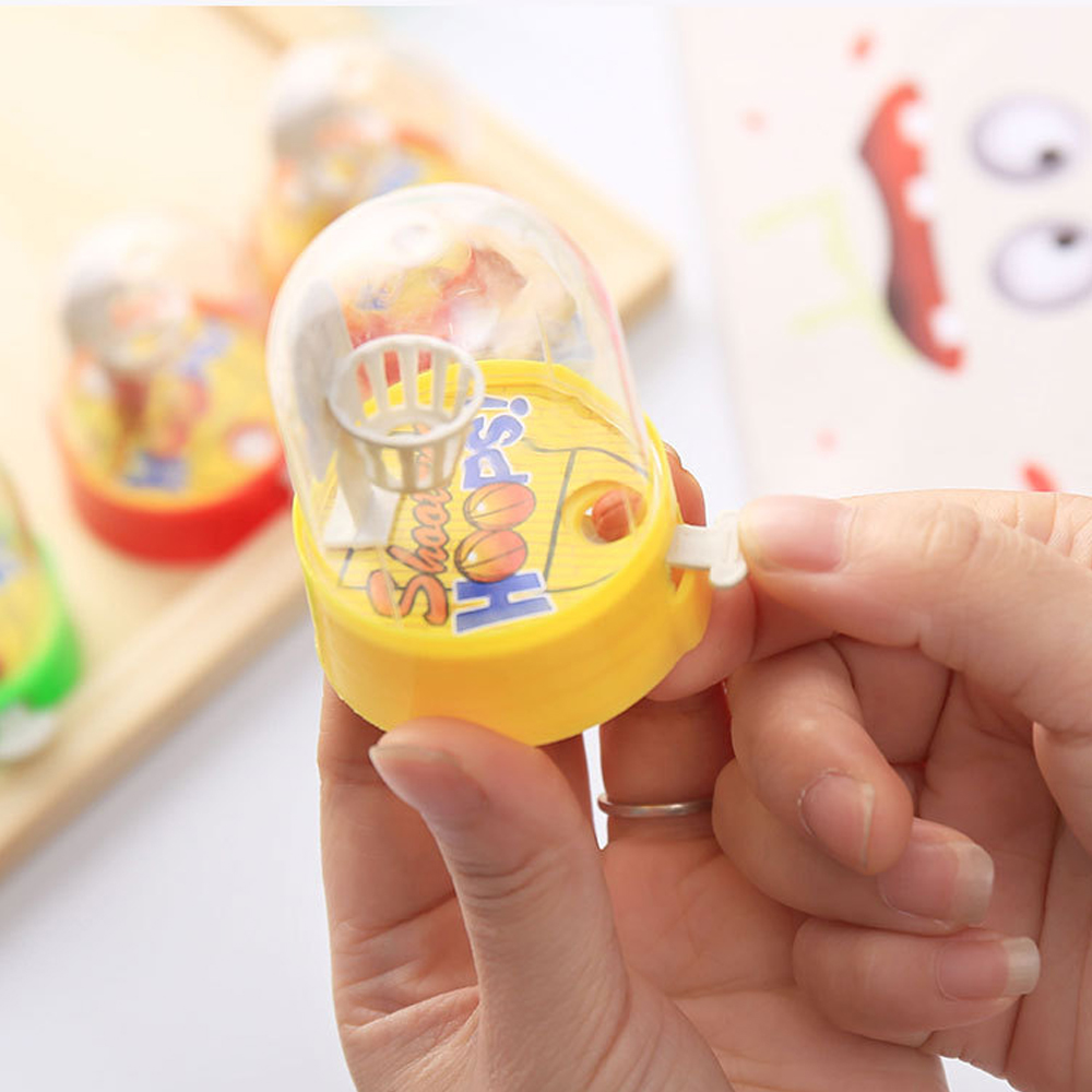 1 Pcs Cute PVC plastic small mini Handheld finger basketball hand Hoops Shooting Puzzle toy For Children Kids