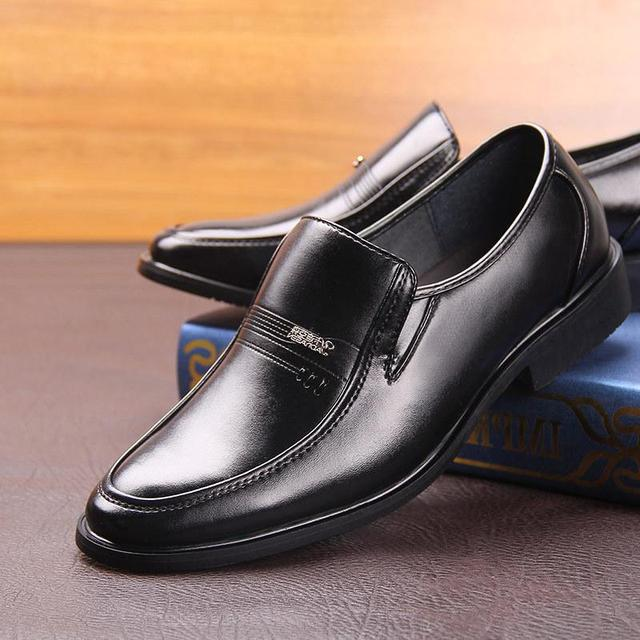 High Quality Men's Business Dress Shoes Breathable Slip On Formal Black Oxfod Shoes For Male Leather Casual Shoes Zapatos Hombre