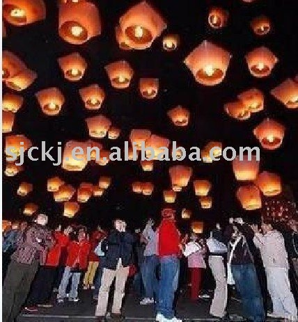 100 Sky lantern / Fly lantern wishing lights