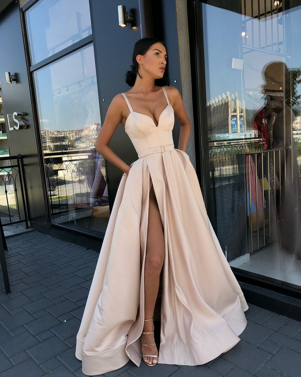 Long Simple Evening Dress 2019 Sexy Sweetheart High Slit Champagne Satin Women Formal Gowns With Pocket robe de soiree