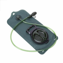 цена 2L/3L Water Bag Military TPU Hydration Bladder Camping Hiking Climbing Bicycle Outdoor Sport Gear Accessories в интернет-магазинах