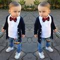 TZ350, Hermoso bebé trajes 4 unids Infantil chicos ropa de algodón chaqueta de punto coat + T-shirt + jeans + arco niños ropa boy sets