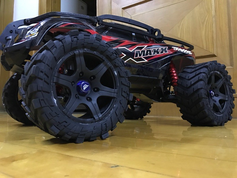 1/5 TRAXXAS X-MAXX Wheels Waterproof and wear-resistant Widened Tire RC Monster truck Rim 4pcs + wheel nuts Size 219MMX105MM 1 5 traxxas x maxx wheels tire rc monster truck model madmax high quality tyres upgrade rim 4pcs