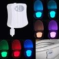 8 Цветов ПРИВЕЛО Туалет Ночь свет Motion Активирован Светочувствительных Заката до Рассвета с батарейным питанием Лампы lamparas 3d зуб лампы
