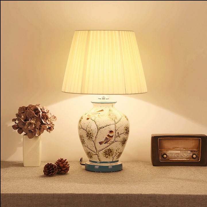 купить Chinese rural branch&bird design ceramic art Table Lamps Fashion classical fabric E27 LED lamp for bedside&foyer&studio MF007 по цене 3533.15 рублей