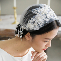 BRITNRY Romantic Flower Short Wedding Veil with Beading Luxury Wedding Accessories