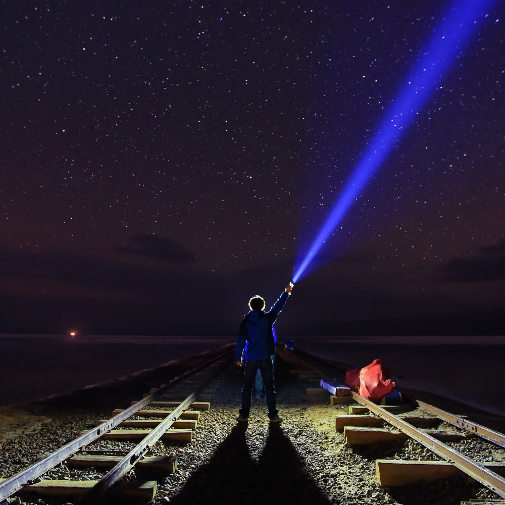 Sofirn tk70 led alta poderosa 26650 lanterna