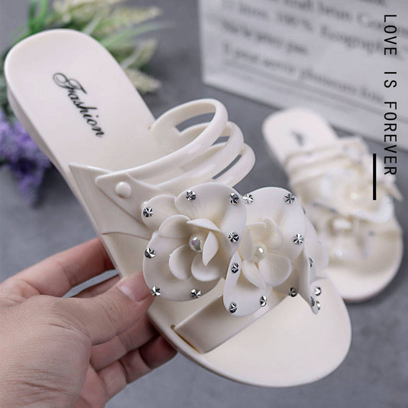 New flowers beach shoes ladies flat bottom home indoor and outdoor bathroom sandals and slippers 3