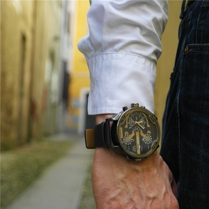 Image 4 - Oulm Exaggerated Large Big Watches Men Luxury Brand Unique Designer Quartz Watch Male Heavy Full Steel Leather Strap Wrist Watch