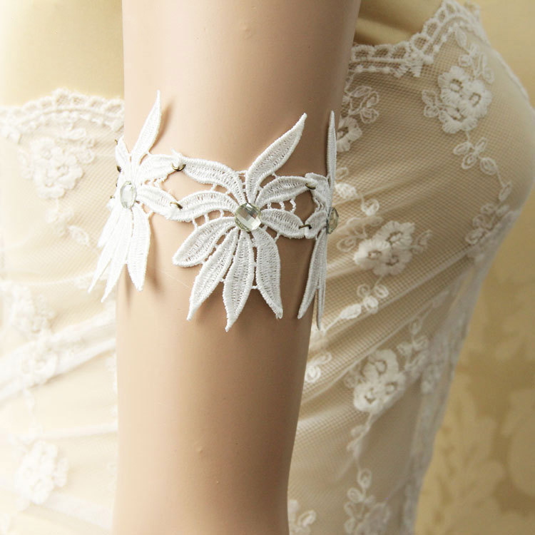 Women Jewelry Arm Bracelet Fashion Armlet Bohemian Boho White Lace 3 Flower  Rhinestone Dance Bridal Party Arm Lady Band Armbands-in Charm Bracelets from  ... 6fd343f723ee