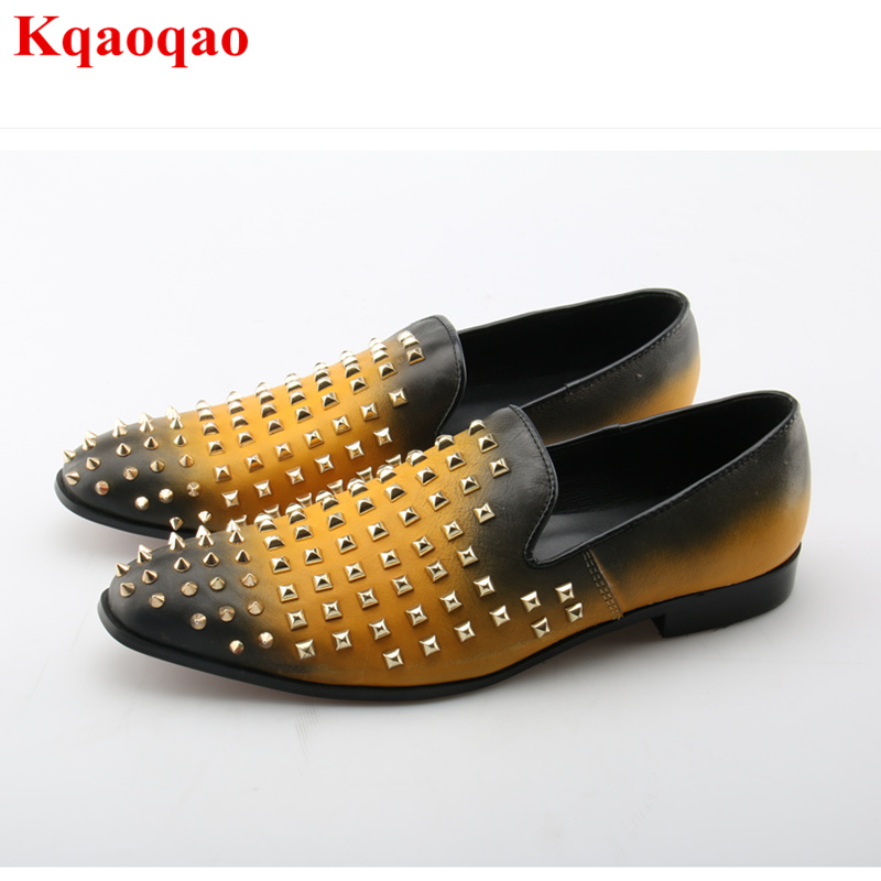 цены на Men Casual Shoes Rivets Embellished Low Top Leather Shoes Luxury Brand Stylish Runway Shoes Slip On Loafers Hommes Chaussures в интернет-магазинах