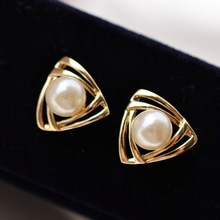 Sweet grace The girl Earrings Female temperament Hollow triangle alloy Imitation Pearl Earrings for women Holiday gift