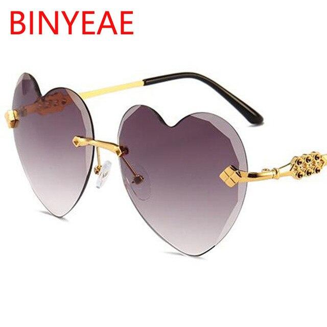 6a3fbc79c3 En forma de corazón gafas de sol mujer marca de lujo 2018 amor corazón  gafas vintage