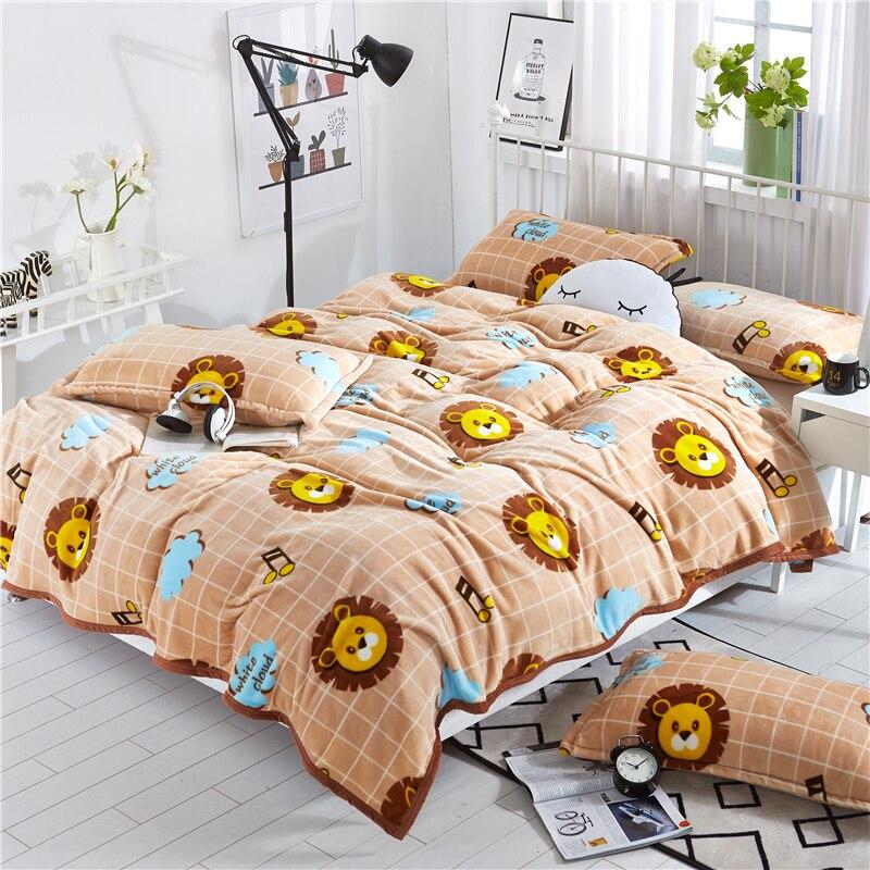 100%Polyester Fiber Bright Brown Blanket Lion King Pattern Entrepreneurial Cartoon Style Sleeping Blanket Pillow Set Bedding Set
