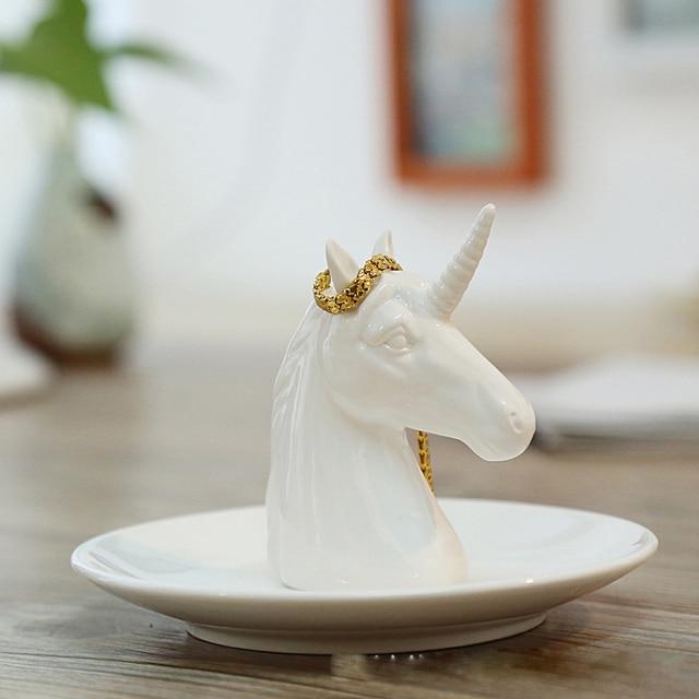 Nordic เซรามิคเครื่องประดับต่างหูแผ่นแผ่นดิสก์สัตว์ตกแต่งบ้าน home decor ยูนิคอร์นแรดสีขาวสดใส