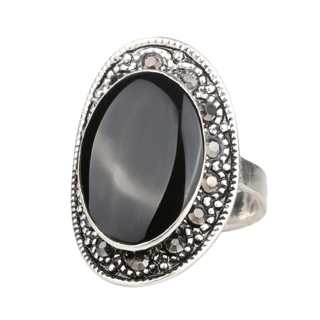 Vintage Style Oval Ring With Silver Plated Crystals