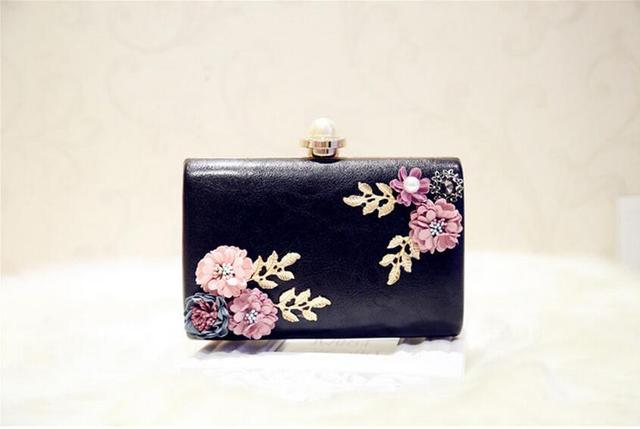 Meloke 2018 high quality women handmade flowers evening bags mini wedding dinner bags luxury clutch purse with 2 chains 4