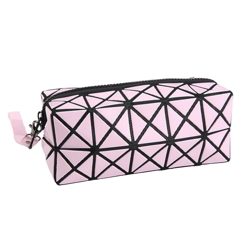 Fashion Geometric Zipper Cosmetic Bag Women Laser Flash Diamond Leather Makeup Bag Ladies Cosmetics Organizer New Trend 2017